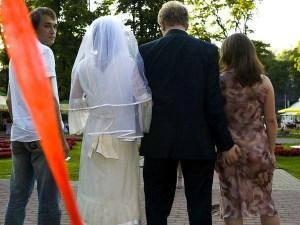nunta brunete vs. blonde
